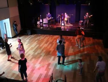27.5. smo se dobro zabavljali i neumorno plesali uz Quatrich boys-e
